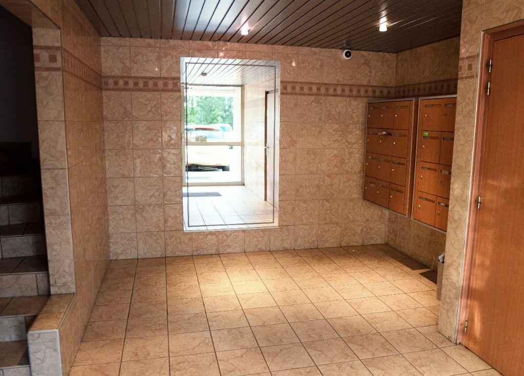 Appartement à louer 4 71.83m2 à Saint-Étienne vignette-9