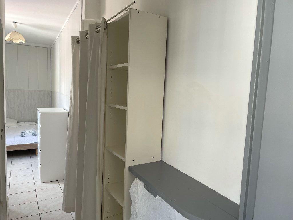 Appartement à louer 2 22.3m2 à Saint-Étienne vignette-4