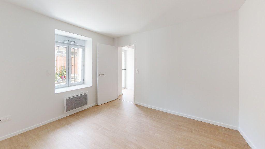 Appartement à louer 3 62.09m2 à Saint-Étienne vignette-4