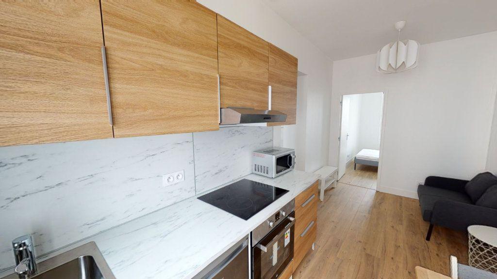 Appartement à louer 2 27.04m2 à Saint-Étienne vignette-1