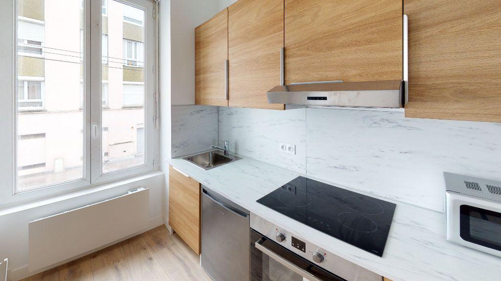 Appartement à louer 2 27.04m2 à Saint-Étienne vignette-3