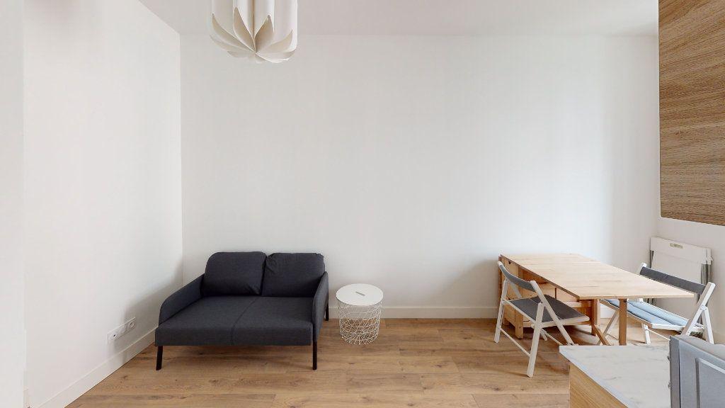Appartement à louer 2 27.04m2 à Saint-Étienne vignette-4
