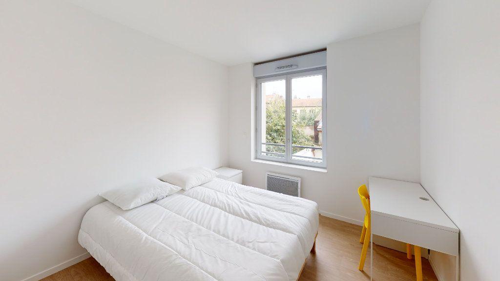 Appartement à louer 2 36.99m2 à Saint-Étienne vignette-2