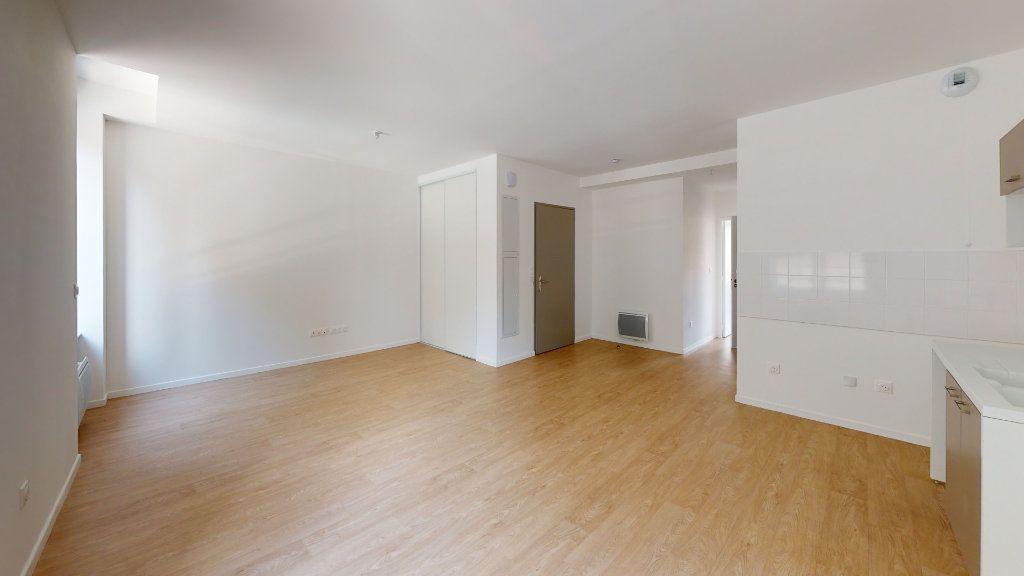 Appartement à louer 2 48.05m2 à Saint-Étienne vignette-2