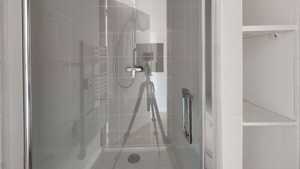 Appartement à louer 2 48.05m2 à Saint-Étienne vignette-3