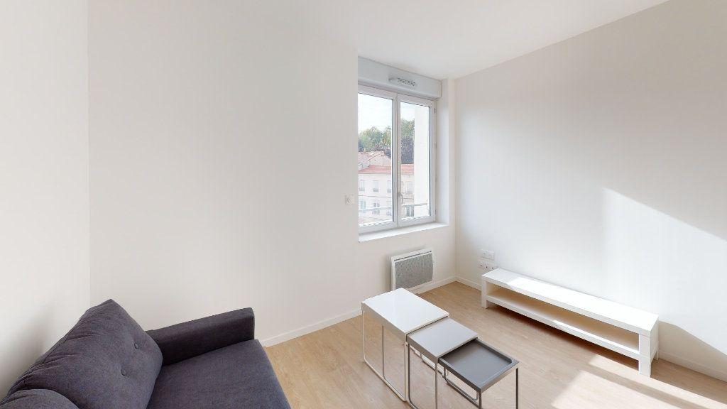 Appartement à louer 2 36.3m2 à Saint-Étienne vignette-2