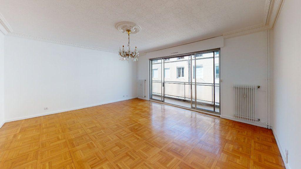Appartement à louer 5 99.71m2 à Saint-Étienne vignette-1