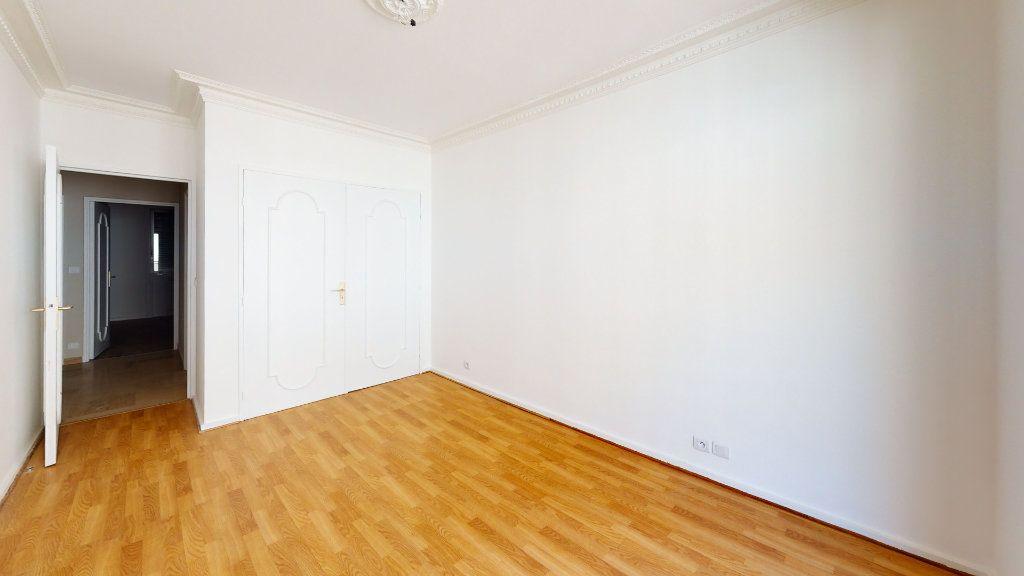 Appartement à louer 5 99.71m2 à Saint-Étienne vignette-4