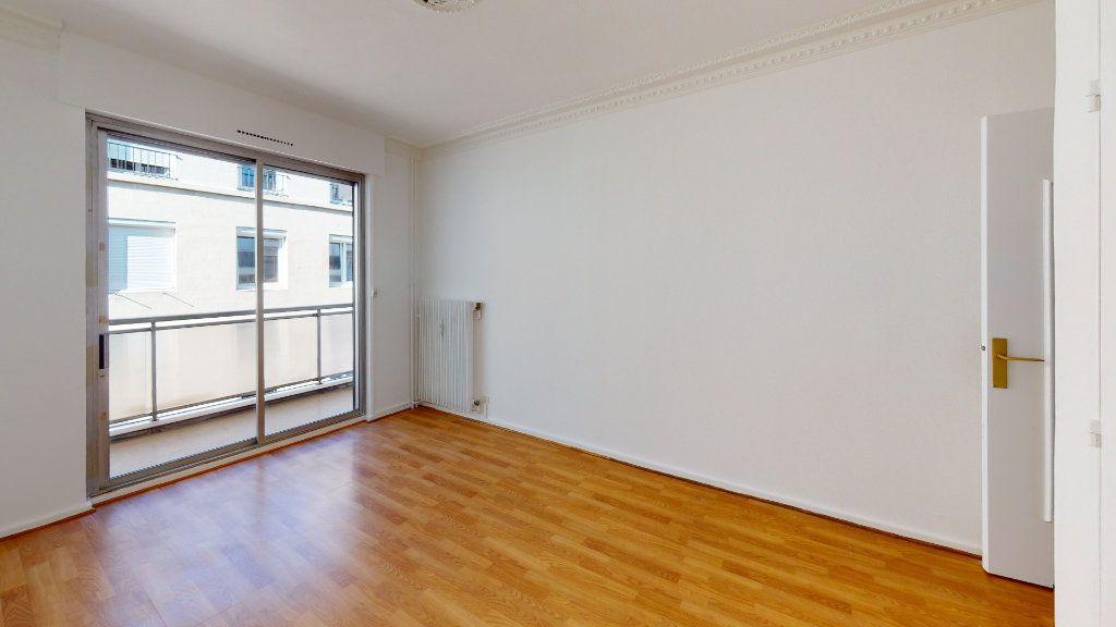 Appartement à louer 5 99.71m2 à Saint-Étienne vignette-6