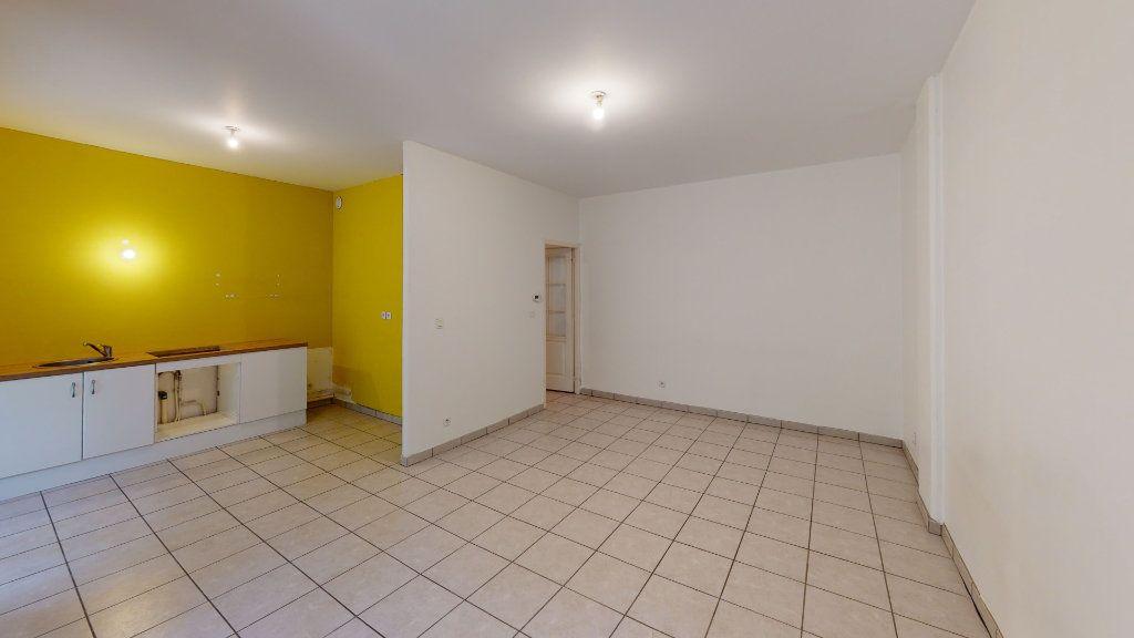 Appartement à louer 2 53.19m2 à Saint-Étienne vignette-4