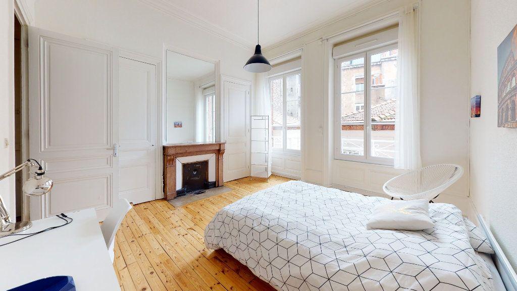Appartement à louer 5 106.06m2 à Saint-Étienne vignette-1