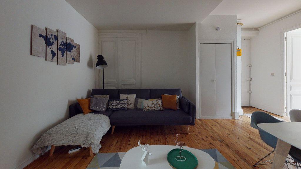 Appartement à louer 5 106.06m2 à Saint-Étienne vignette-3