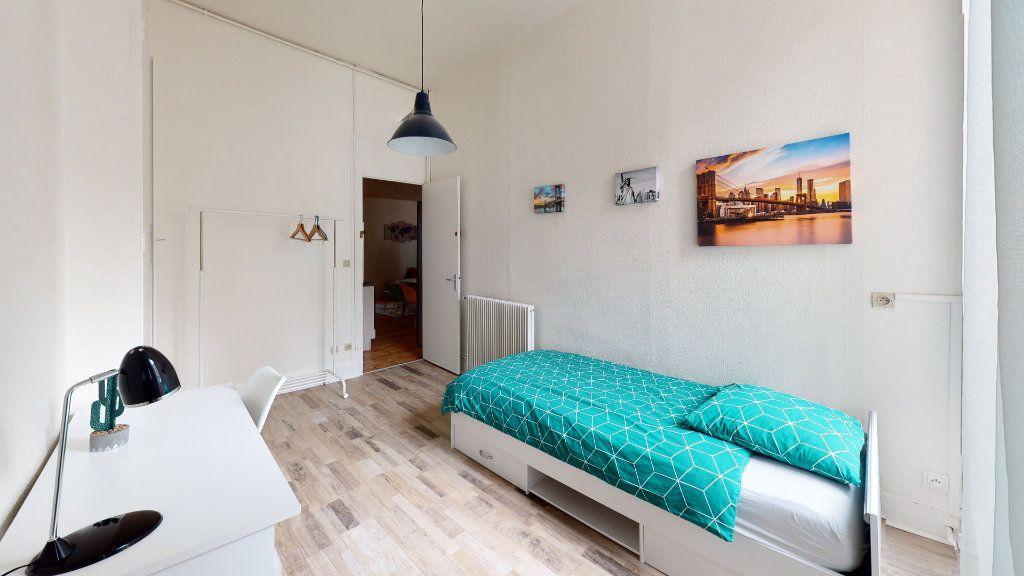Appartement à louer 5 106.06m2 à Saint-Étienne vignette-5