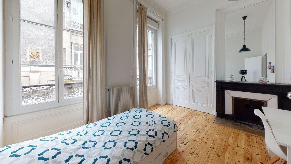 Appartement à louer 5 106.06m2 à Saint-Étienne vignette-6