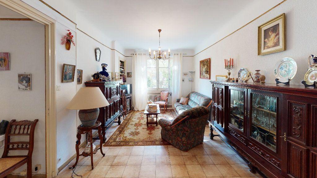 Appartement à vendre 4 74.29m2 à Saint-Étienne vignette-2