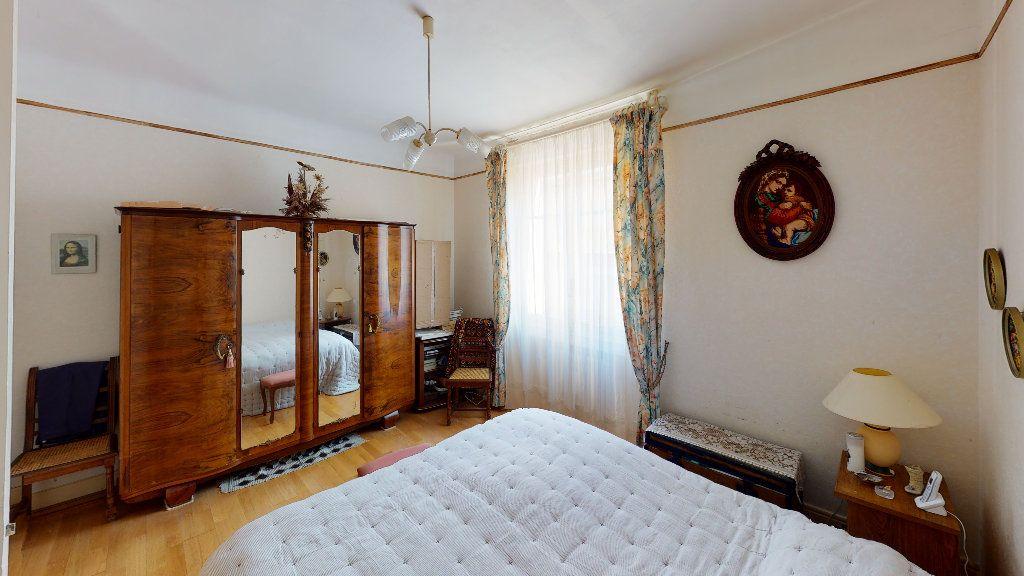 Appartement à vendre 4 74.29m2 à Saint-Étienne vignette-4