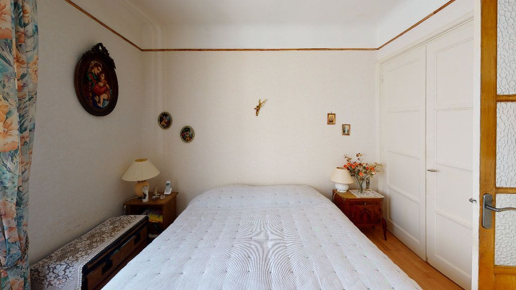 Appartement à vendre 4 74.29m2 à Saint-Étienne vignette-5