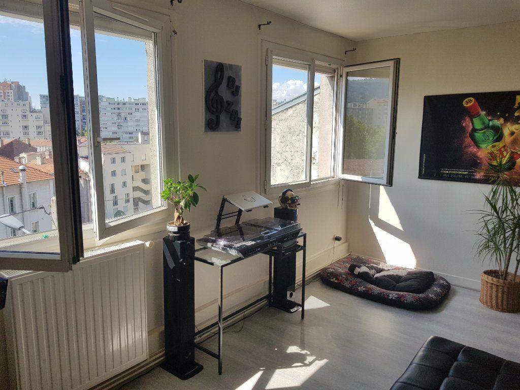 Appartement à louer 2 44.12m2 à Saint-Étienne vignette-3