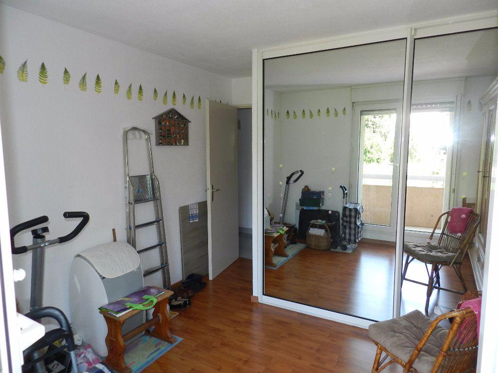 Appartement à vendre 4 89m2 à Saint-Laurent-du-Var vignette-4