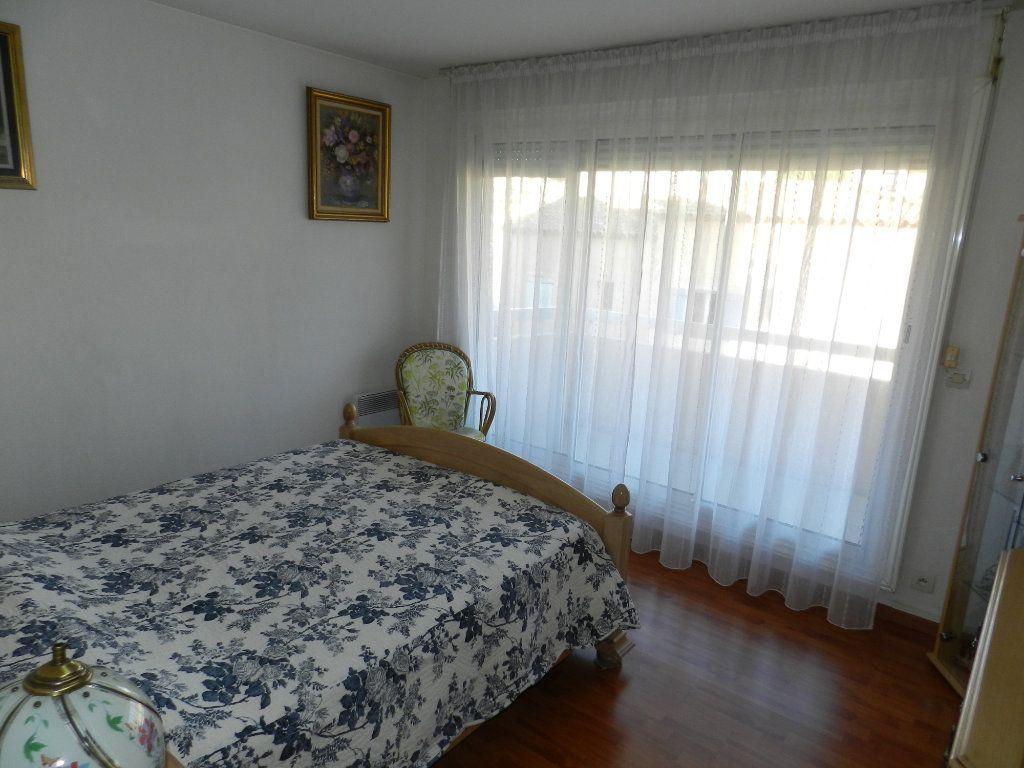 Appartement à vendre 4 89m2 à Saint-Laurent-du-Var vignette-7