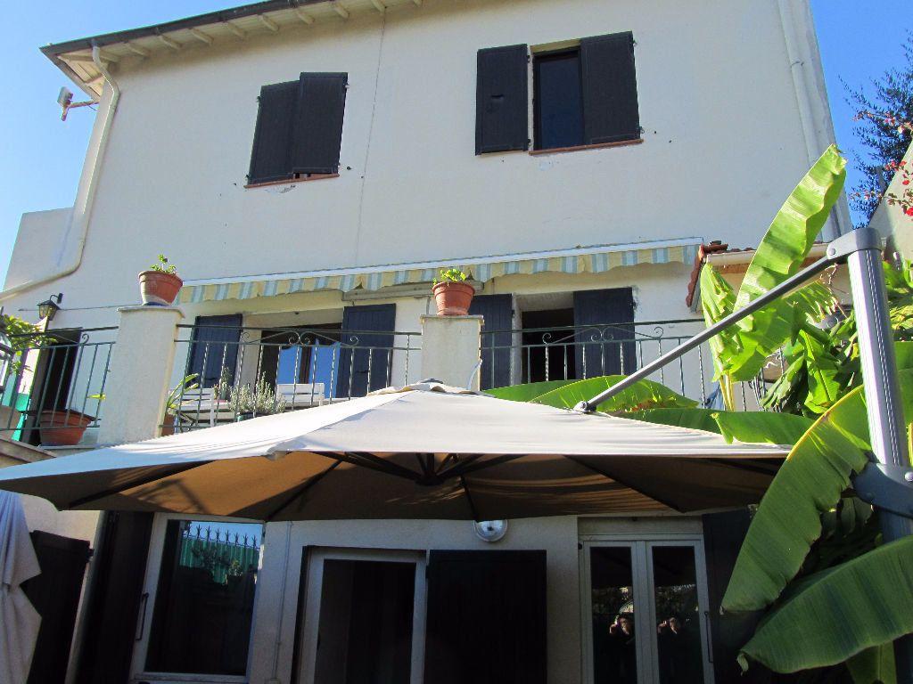 Maison à vendre 6 130m2 à Nice vignette-17