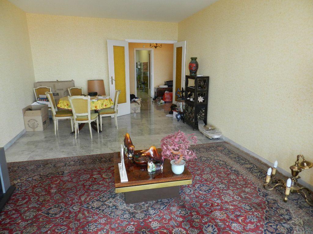 Appartement à vendre 4 93m2 à Nice vignette-4