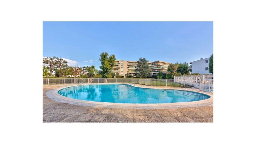 Appartement à vendre 4 83.05m2 à Saint-Laurent-du-Var vignette-1