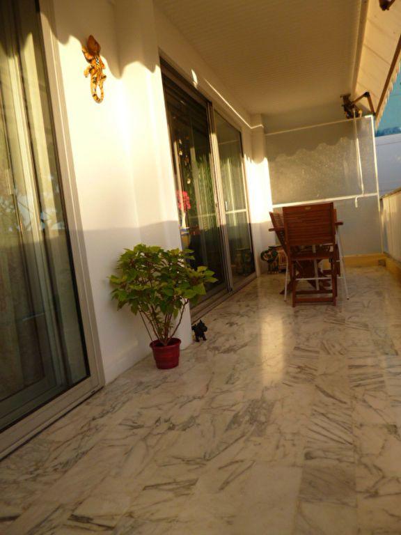 Appartement à vendre 4 83.05m2 à Saint-Laurent-du-Var vignette-4