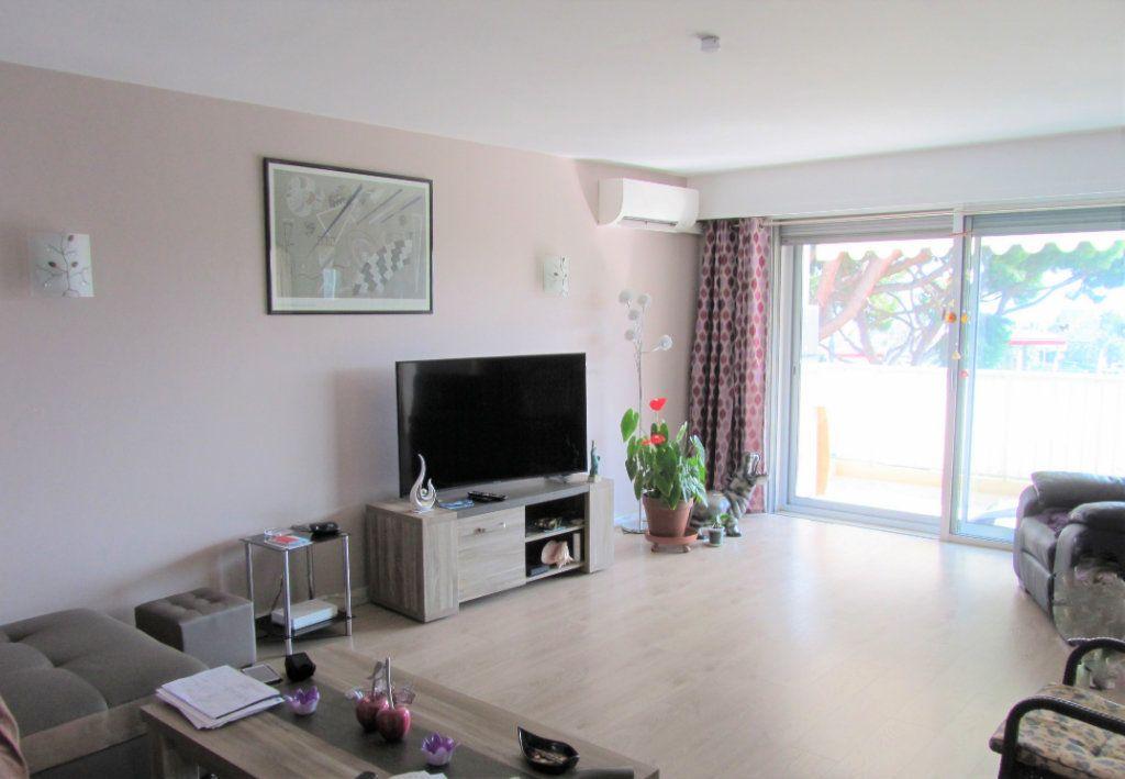 Appartement à vendre 4 83.05m2 à Saint-Laurent-du-Var vignette-6