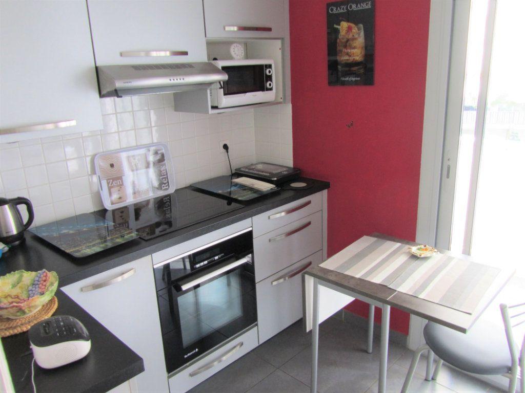 Appartement à vendre 4 83.05m2 à Saint-Laurent-du-Var vignette-7