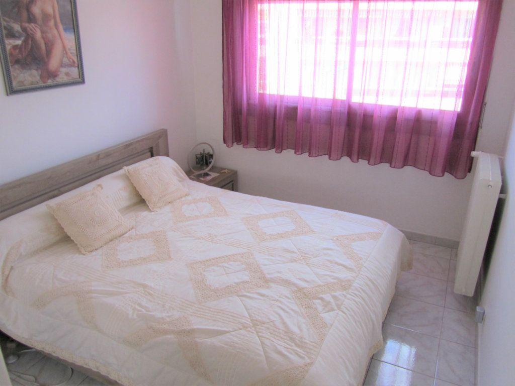 Appartement à vendre 4 83.05m2 à Saint-Laurent-du-Var vignette-9