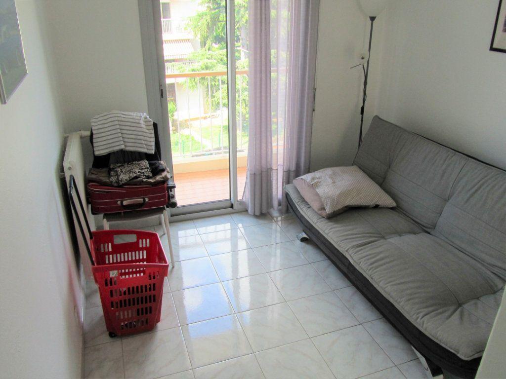 Appartement à vendre 4 83.05m2 à Saint-Laurent-du-Var vignette-10