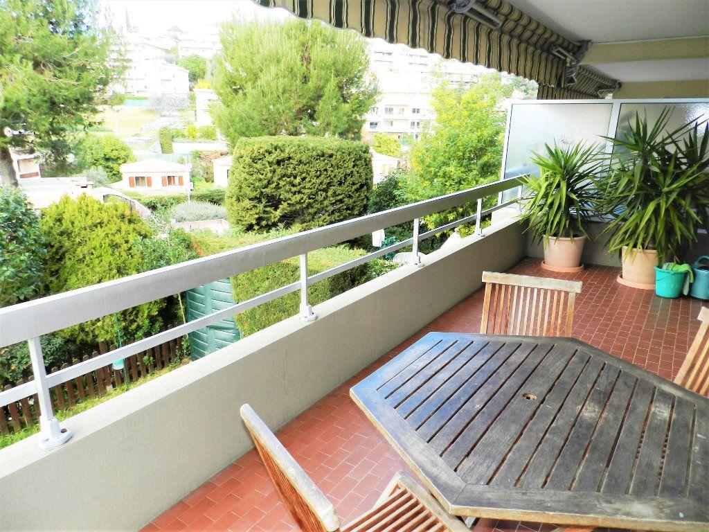 Appartement à vendre 4 98m2 à Saint-Laurent-du-Var vignette-1