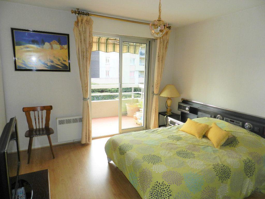 Appartement à vendre 4 98m2 à Saint-Laurent-du-Var vignette-4
