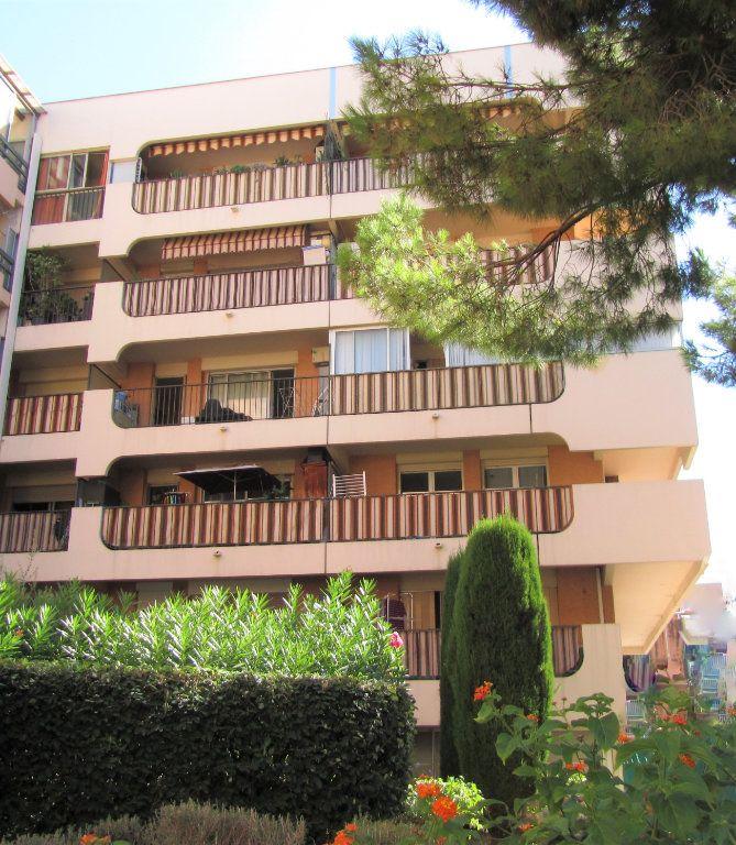 Appartement à vendre 3 70m2 à Saint-Laurent-du-Var vignette-1