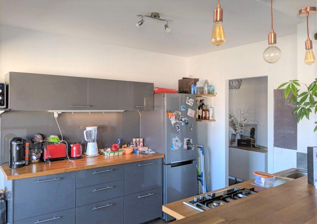Appartement à vendre 2 52.3m2 à Saint-Laurent-du-Var vignette-2