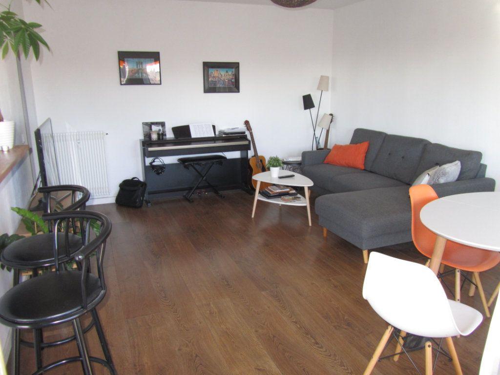 Appartement à vendre 2 52.3m2 à Saint-Laurent-du-Var vignette-4
