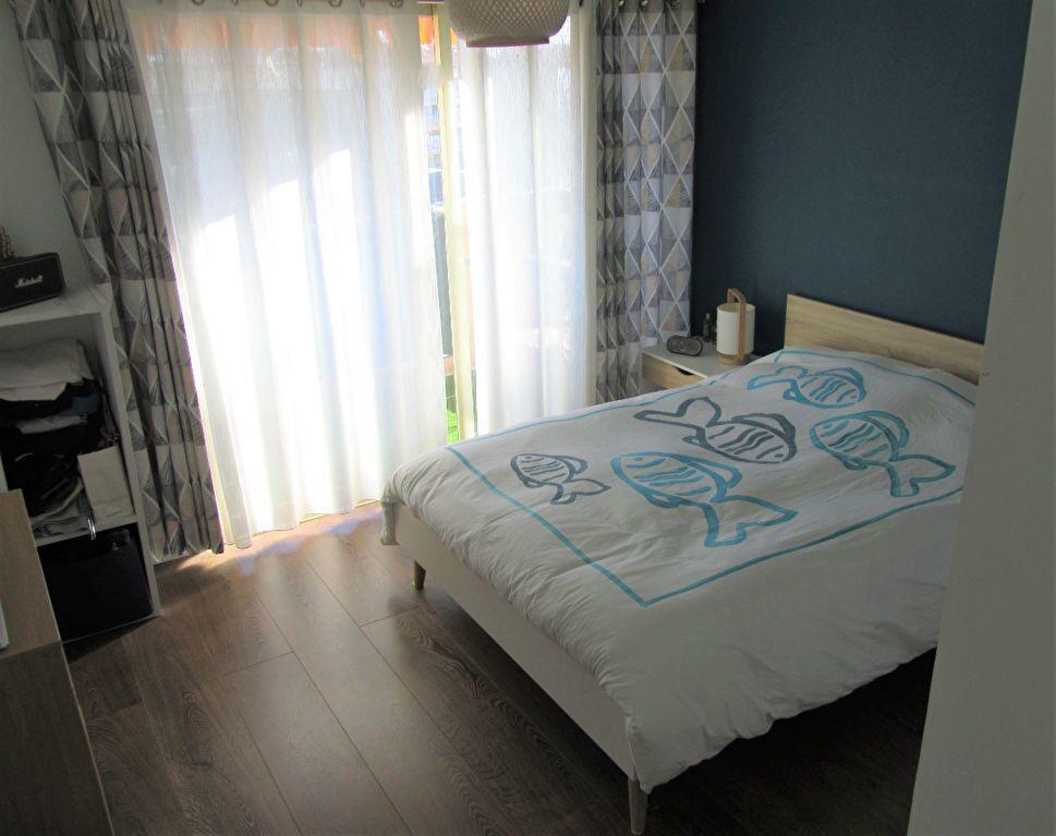 Appartement à vendre 2 52.3m2 à Saint-Laurent-du-Var vignette-8