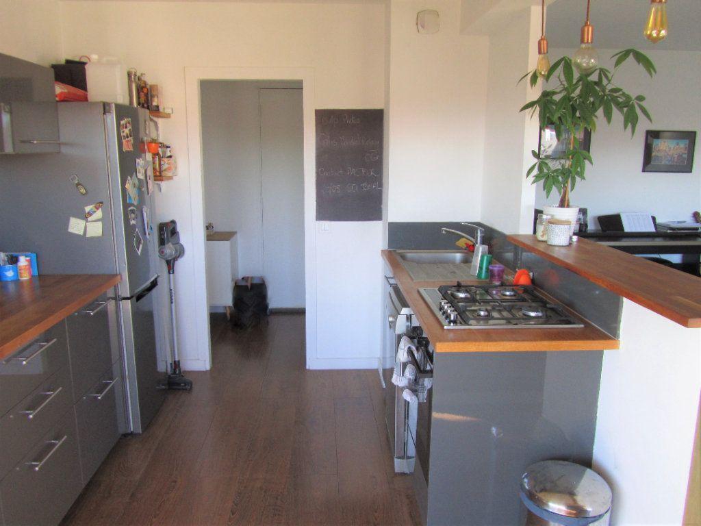 Appartement à vendre 2 52.3m2 à Saint-Laurent-du-Var vignette-9