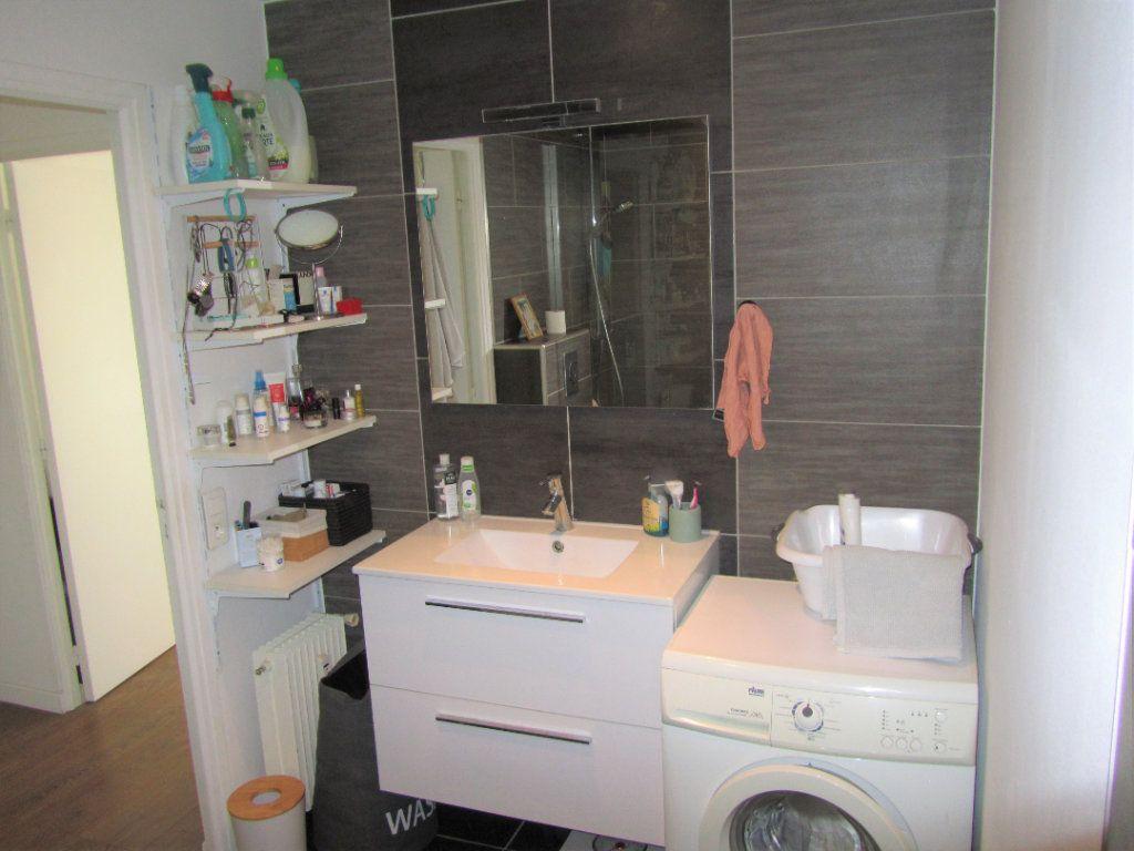 Appartement à vendre 2 52.3m2 à Saint-Laurent-du-Var vignette-10