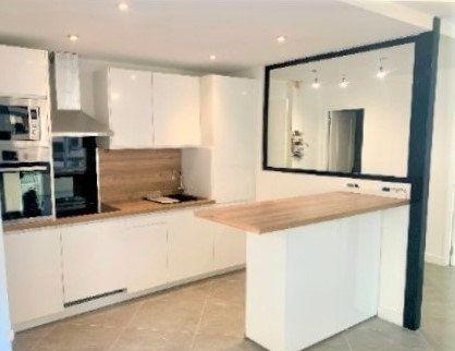 Appartement à vendre 2 70.35m2 à Saint-Laurent-du-Var vignette-1