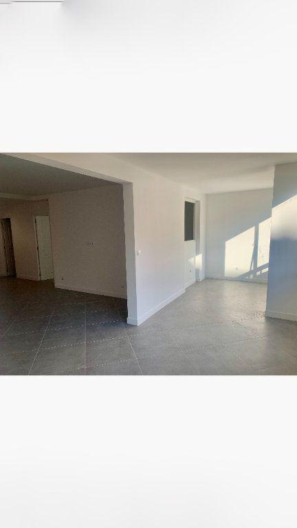 Appartement à vendre 2 70.35m2 à Saint-Laurent-du-Var vignette-4