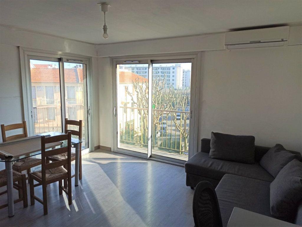 Appartement à vendre 3 58.5m2 à Nice vignette-1