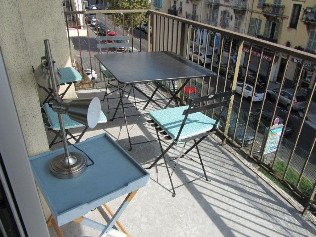 Appartement à vendre 3 58.5m2 à Nice vignette-4