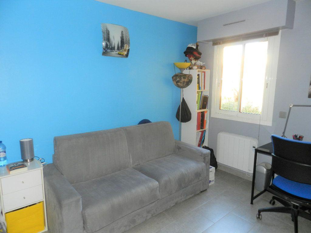 Appartement à vendre 3 64m2 à Carros vignette-5