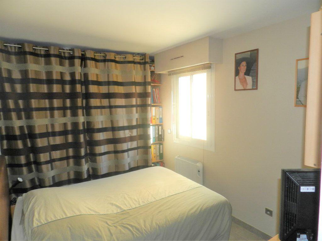 Appartement à vendre 3 64m2 à Carros vignette-6