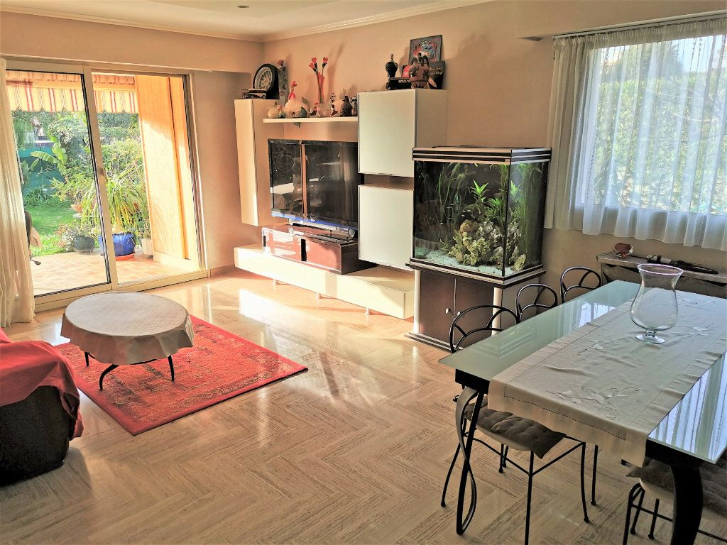 Appartement à vendre 2 57m2 à Saint-Laurent-du-Var vignette-2
