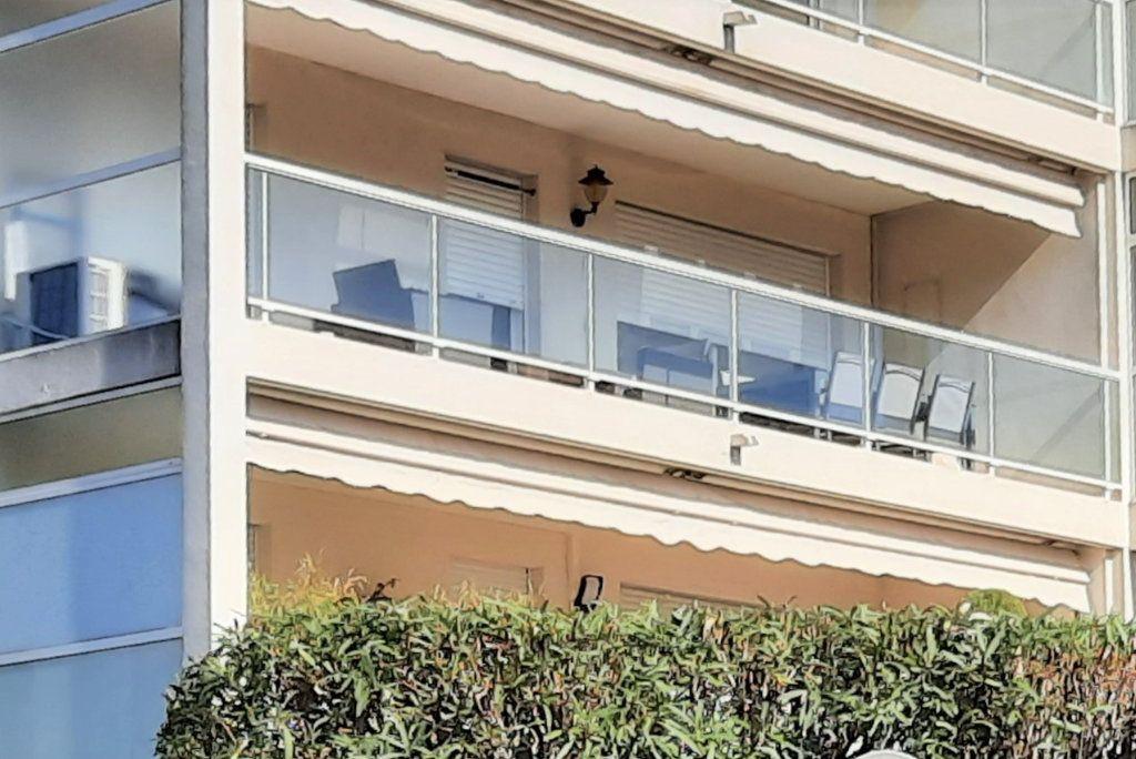 Appartement à vendre 2 52m2 à Saint-Laurent-du-Var vignette-1