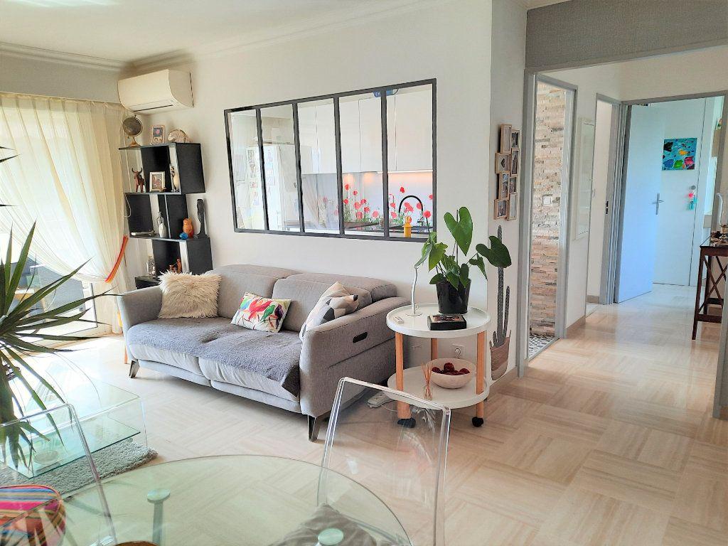 Appartement à vendre 2 52m2 à Saint-Laurent-du-Var vignette-4