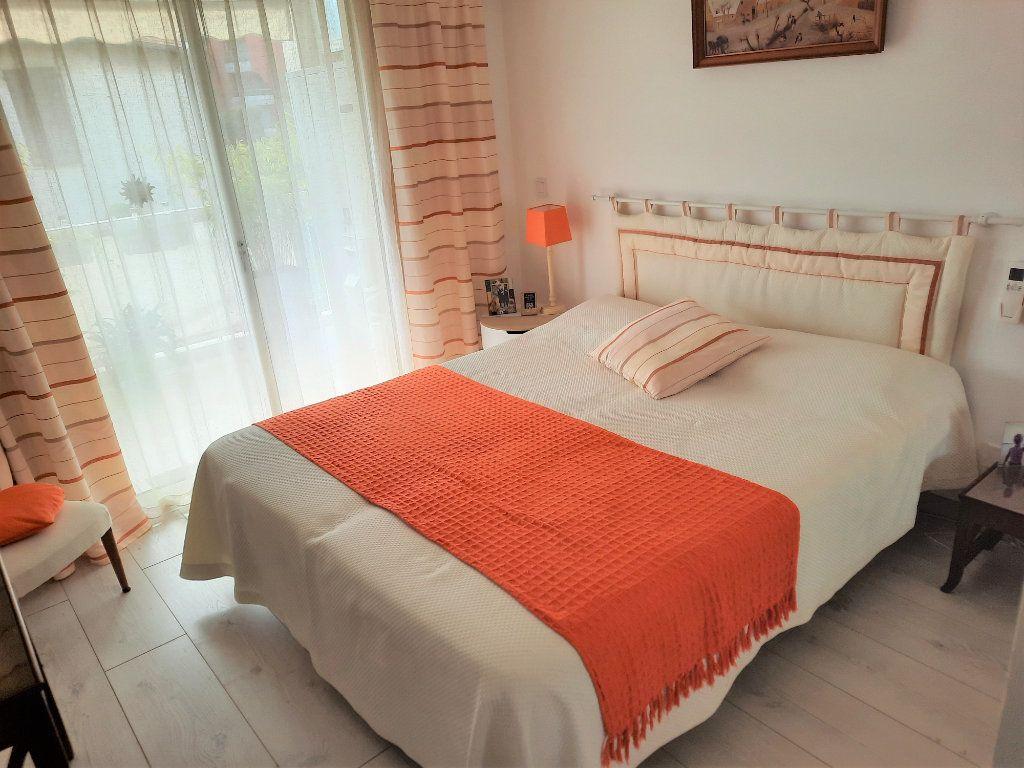 Appartement à vendre 2 52m2 à Saint-Laurent-du-Var vignette-6
